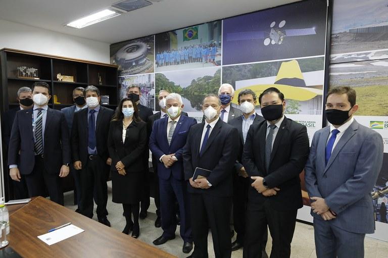 Presidente e conselheiros do Instituto Besc são recebidos pelo ministro astronauta MarcosPontes